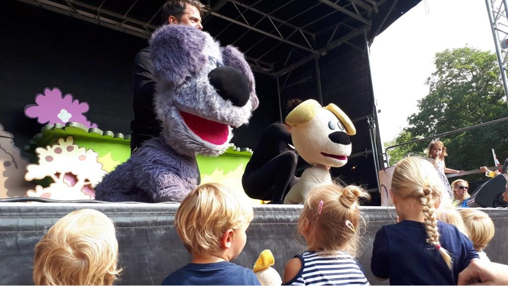 Oog in oog met kinderidolen.  © Groot-Westland.nl