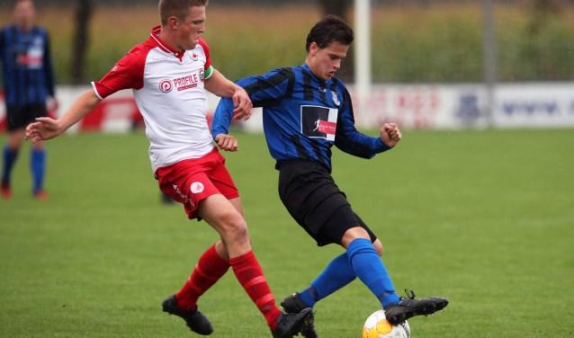 Douwe Zijlstra tekende voor de 6-0 van Vierpolders tegen Piershil. * Foto: John de Pater.