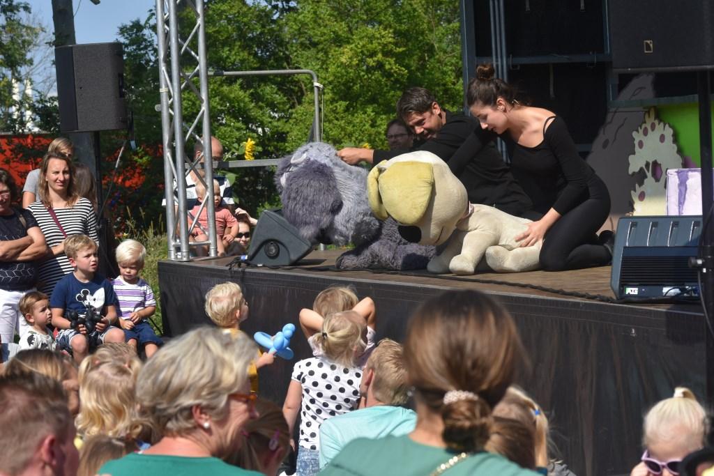 Van Hoorne Entertainment bracht een voorstelling van Woezel & Pip.  © Groot-Westland.nl