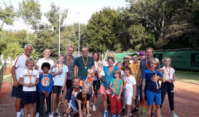 De jeugsclubkampioenschappen bij Tennisvereniging Oostvoorne (TVO) verliepen weer bijzonder goed.