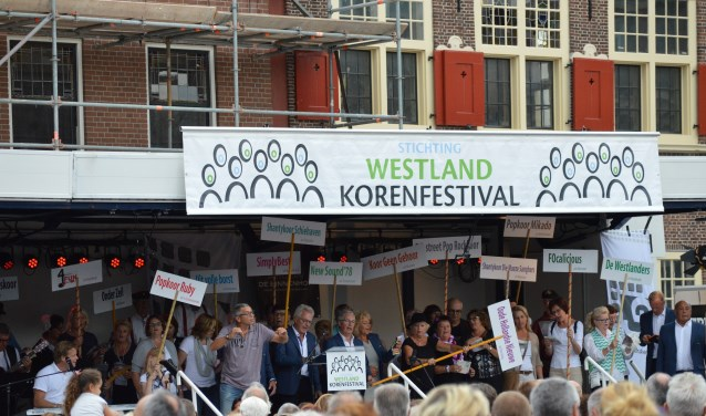 Het Westland Korenfestival heeft altijd een hoog meezinggehalte en dosis amusement.