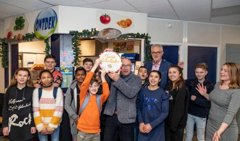 Het Lentiz Floracollege in Naaldwijk heeft als eerste school in Westland de gouden Schoolkantine Schaal gekregen.