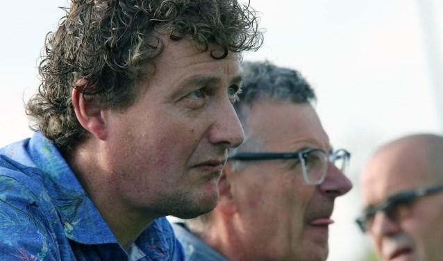 Paul Bestebreur tekende voor een derde jaar bij als trainer van Vierpolders en gaat de cursus TC2 volgen. (Archieffoto: Wil van Balen).