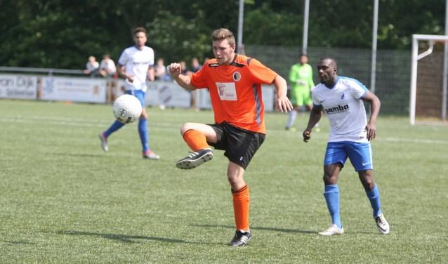 Sven Groenenboom scoorde weer drie keer voor Rockanje. (Archieffoto: Wil van Balen).
