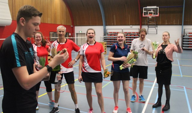 Het eerste team van de Brielse Badmintonclub werd kampioen in de afdeling.