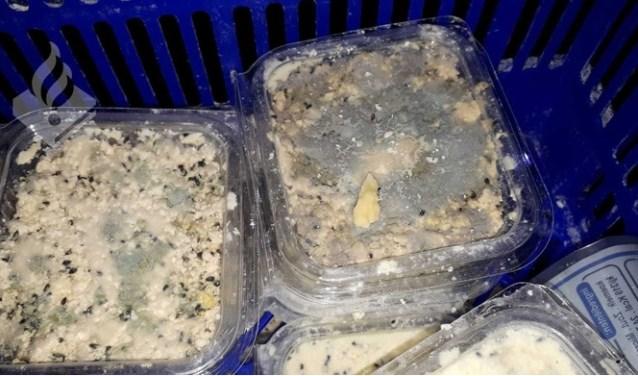 De milieuafdeling van de politie deed samen met een aantal partners onderzoek in het pand van Celine Cheese. Foto: (Politie Westland)