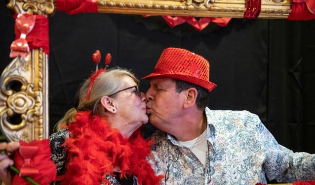Liefde voor elkaar op deze super gezellige Valentijnsdag (Foto: Jos Uijtdehaage)