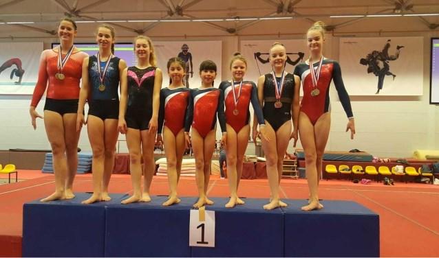 De deelnemers van KDO aan de turnkampioenschappen van Zuid Holland.