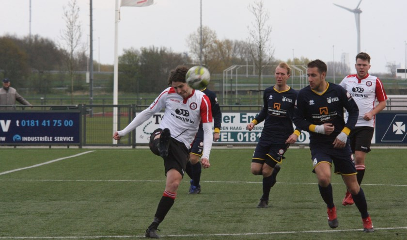 Marcel van den Berg kwam voor het eerst dit seizoen tot scoren voor Brielle. (Foto: Wil van Balen).