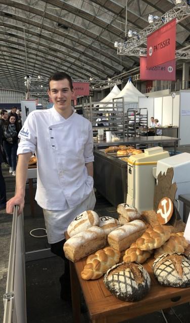 Een trotse Tim Bienefelt in de RAi, waar hij Nederlands jeugdkampioen Boulanger werd.