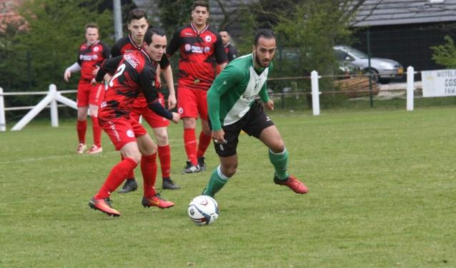 Ferrani van Vugt kwam drie keer tot scoren voor OVV in het duel tegen Piershil. (Foto: Wil van Balen).