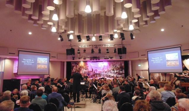 Sempre hield zaterdag 13 april haar verenigingsconcert in Het Prieel.