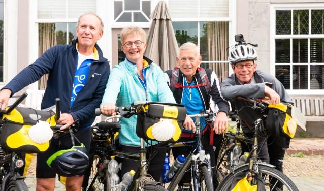 Vlnr: Wim Boerbooms, Aline Huizenga, Hilbert kikkert en Jan Hamers.  (foto: Jacquelien Wielaard)
