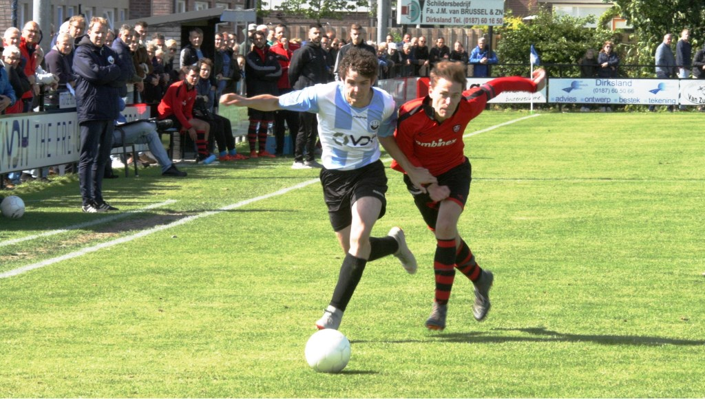 Ook de hardwerkende Rolf van Putten (links) kon zijn ploeg niet naar de finale loodsen.  © GGOF.nl