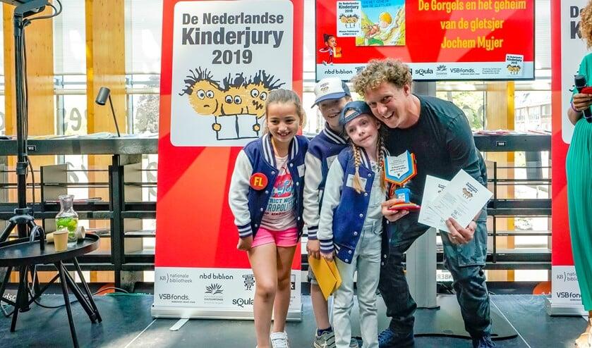 Jochem Myjer won de Publieksprijs in de categorie kinderboek 6 t/m 9 jaar.