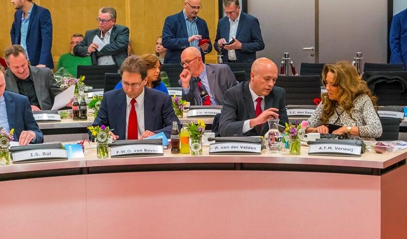De PVV fractie valt nu in twee aparte fracties uiteen.