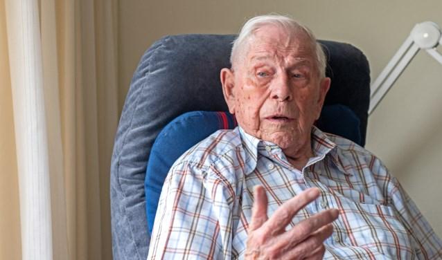 Wim Saarloos (94), diende van 1946 tot 1949 bijna drie jaar lang in Nederlands-Indië. (Foto: Jos Uijtdehaage).