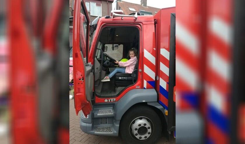 Kinderen konden een kijkje nemen in een brandweerwagen.