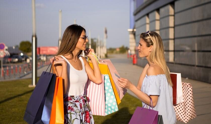 Neem eens een kijkje bij de winkels in Nieuw-Helvoet