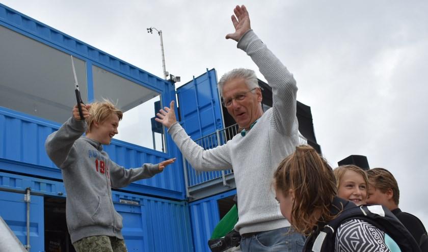 De opening werd gemarkeerd met het doorknippen van een kite en ging gepaard met een barbecue, een quiz en een reünie.