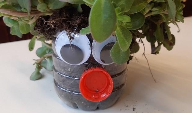 Leerlingen Wellantcollege Anna Hoeve Brielle toveren plastic afval om in iets moois