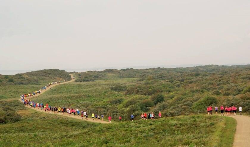 De strandloop wordt uitgebreid met een wandeltocht. Ook deze gaat door het duingebied van Ouddorp.