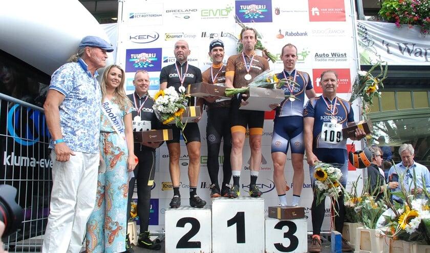 Bart Voskamp won de koers bij de Prominenten.