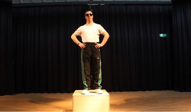 Agent Flink gespeeld door Werner Kamp van Theaterwerkplaats Tiuri.