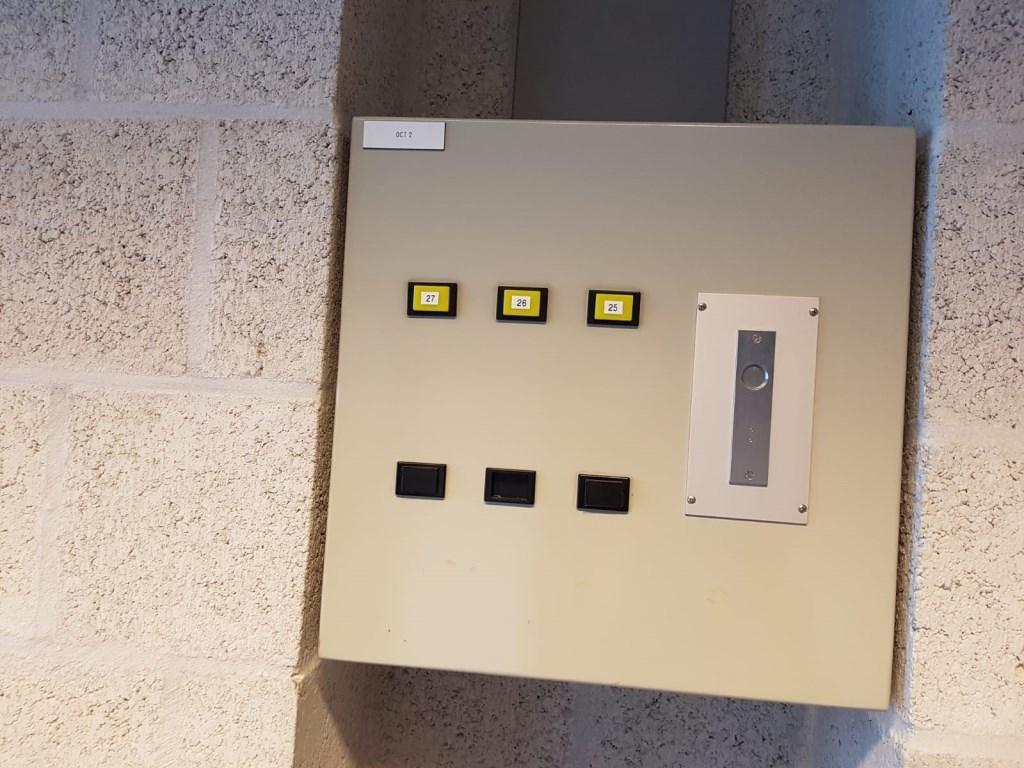 Alles werkt nog, zelfs het alarm aan de binnenkant van de cellen.  Foto: Ankie Nederlof © BredaVandaag