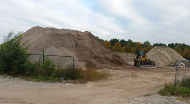 Voorlopig wordt er nog niet gebouwd op de plek waar het nieuwe cultuurcentrum moet komen. FOTO PETER HOUTEPEN