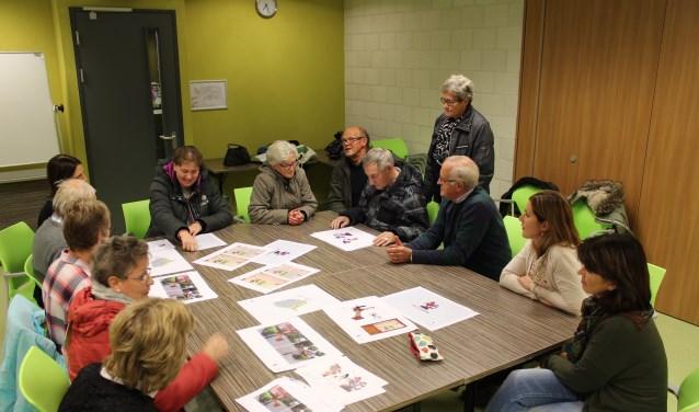 Verschillende omwonenden aan het nog te realiseren Sint Jorispad kwamen naar het inloopuur voor meer inhoudelijke informatie