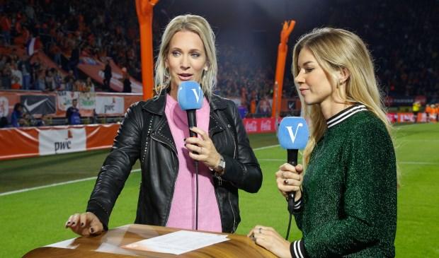Hélène (links) tijdens haar werk voor Veronica.