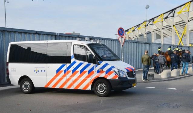 De politie moest hard ingrijpen na afloop van NAC-Willem II.