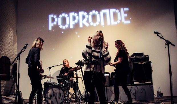 De band Dakota nam in 2017 deel aan de Popronde.