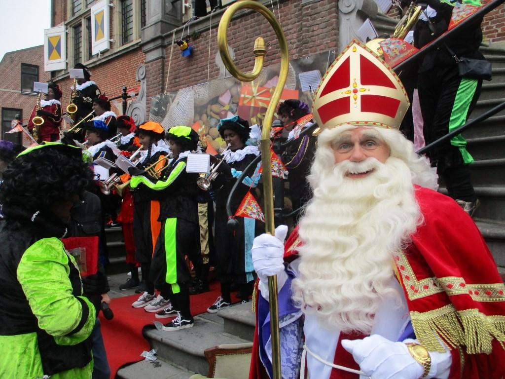 De Sint is inmiddels in bijna alle kernen langs gekomen.  Foto: Ties Steehouwer © Internetbode