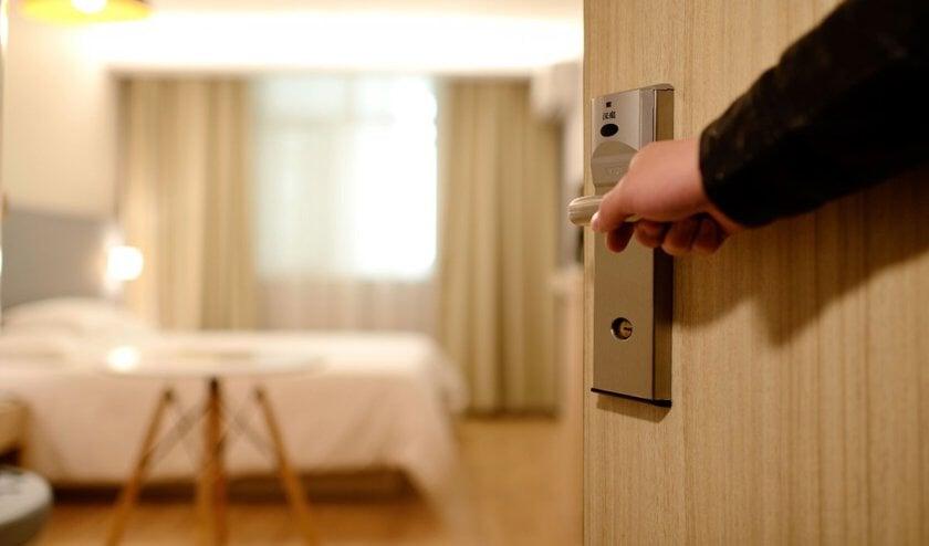 Een hotelkamer.
