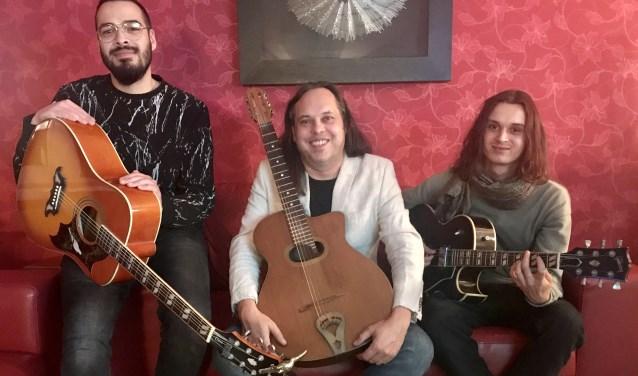 V.l.n.r. gitaristen Joshua Smits, Remko Willems en Valentijn Willems. FOTO REMKO WILLEMS