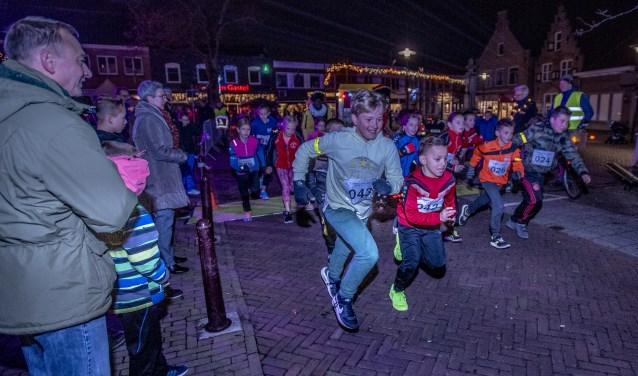 Oud Gastel - 24-11-2018 - Foto: Peter Braakmann - Heerlijk avondje loop Oud Gastel