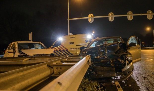 Twee auto's botsten op elkaar op de kruising van de Emerparklaan en de Backer en Ruebweg.
