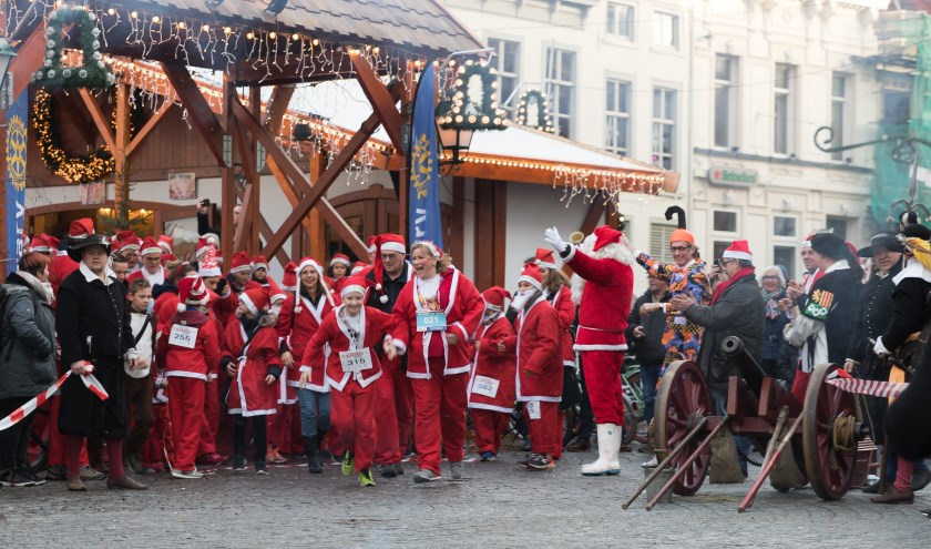 'Kerstmannen' rennen voor het goede doel.