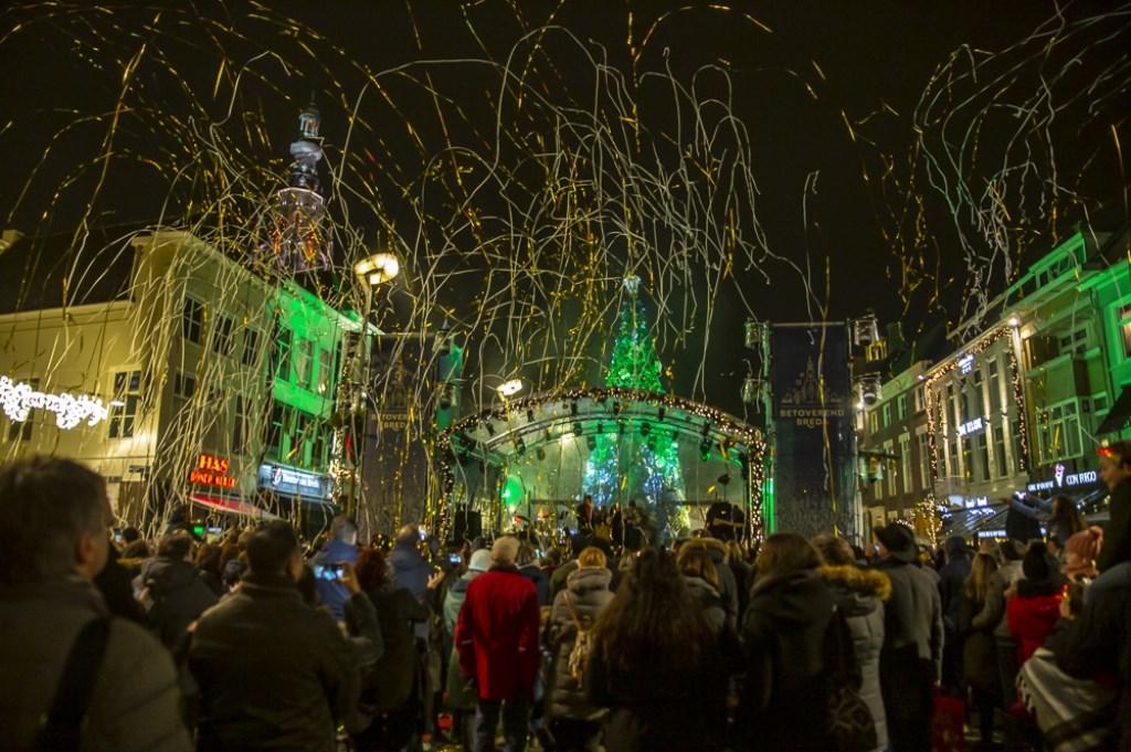 De eerste avond van Betoverend Breda op de Grote Markt.