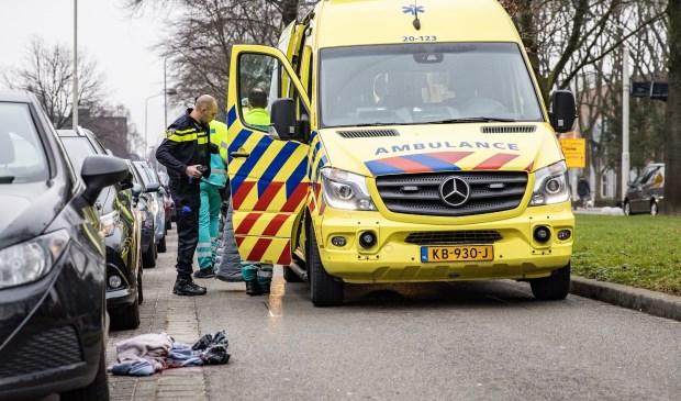 Beide slachtoffers zijn met onbekend letsel naar het ziekenhuis gebracht.