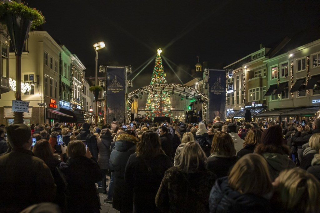 De eerste avond van Betoverend Breda op de Grote Markt. Foto: Stadsfotograaf Breda © BredaVandaag