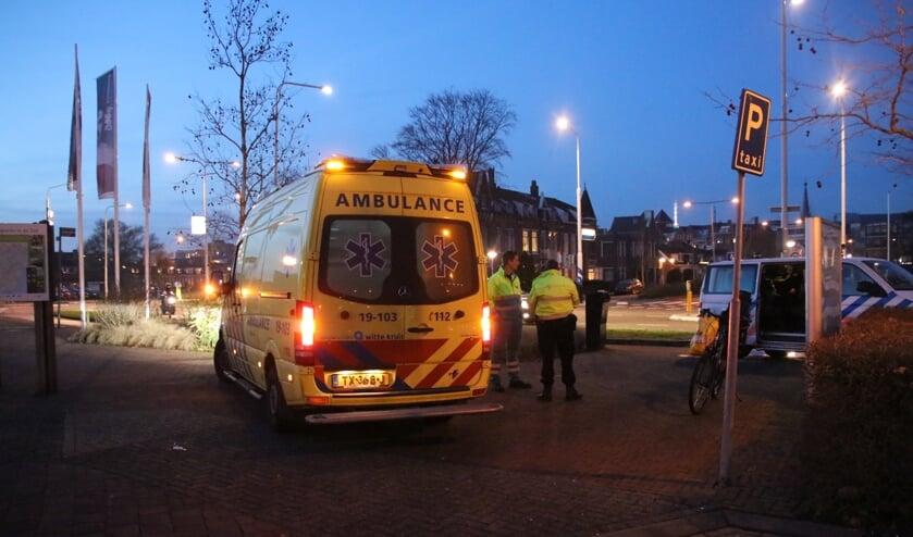 De fietsster is gecontroleerd maar hoefde niet mee naar het ziekenhuis.