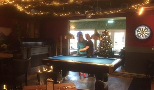 Anja Bastiaansen en Nico Dijkstra, de gastvrouw en gastheer van Lounge Sportcafé Rijsbergen.