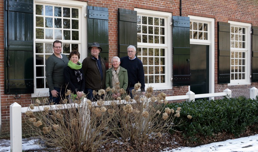 Van links naar rechts; Rene Renne, Mariëtte Veraart, Jolanda van Hassel, Ad de Klerk en Jack Roelands.