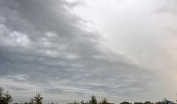 Naderend onweer.