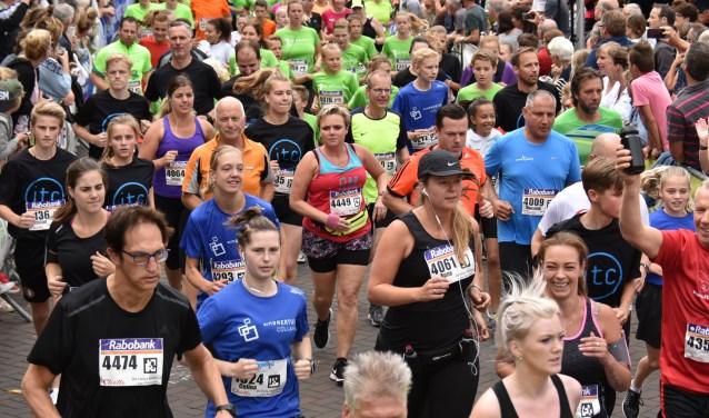 De start van de Halve Marathon 2017