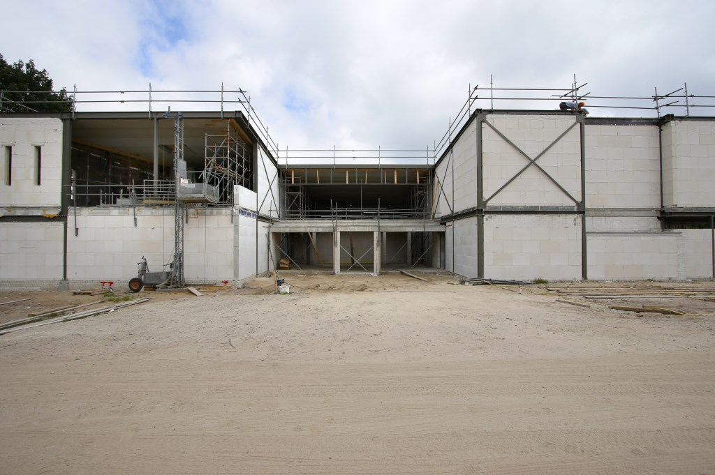 De Spa Wellness aan de rand van Breda in aanbouw. Dit wordt de entree. Foto: Wijnand Nijs © BredaVandaag