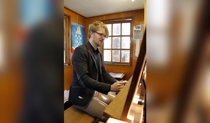 Stadsbeiaardier Paul Maassen.